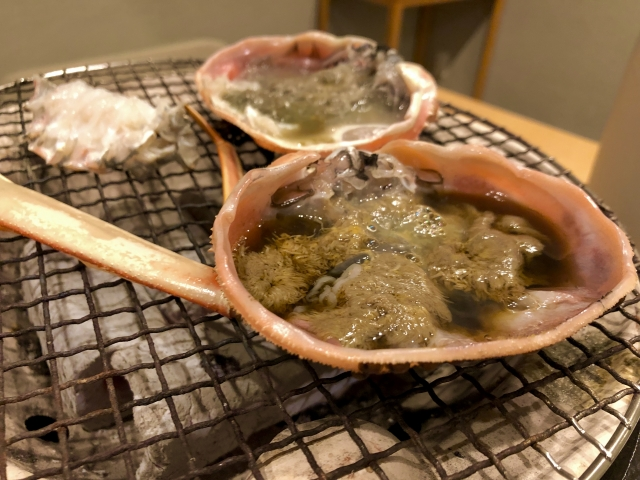 カニの甲羅焼きの画像